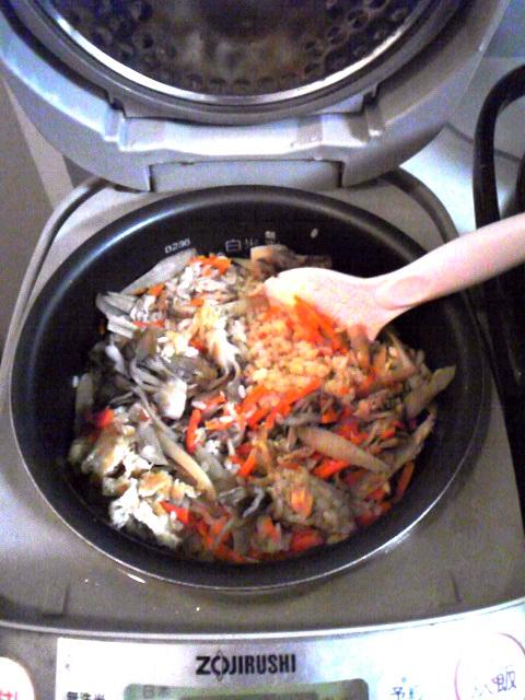 炊き込みご飯(炊飯ジャー入).jpg